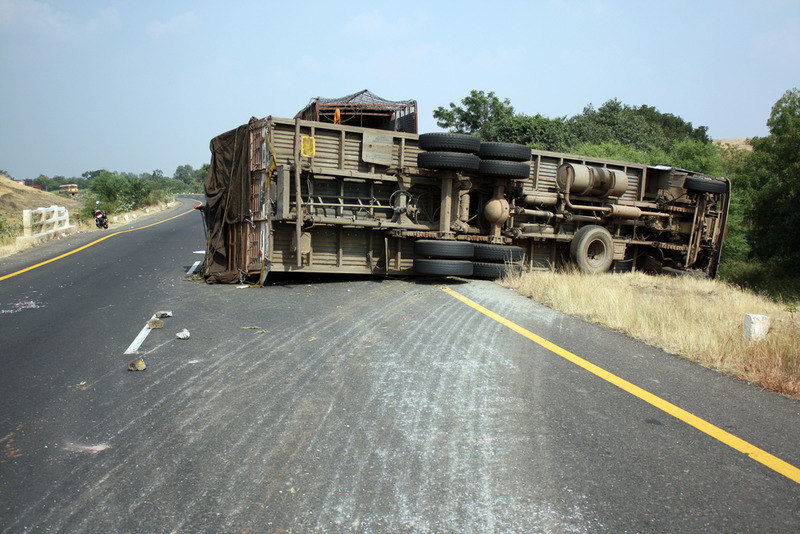 Truck Accident Lawyer in Long Beach Will Help you Get Money After Crash